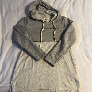 Colorblock Tunic length sweatshirt
